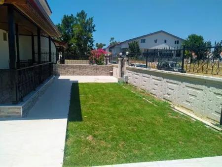 Didim Sağturda Havuzlu Bahçeli Satılık Villa