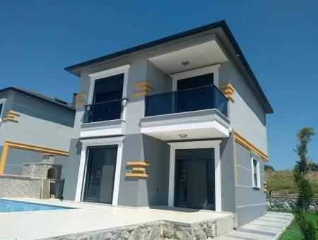 Didim Sağturda Tam Müstakil Satılık Villa